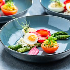 Grazing table: Rosy salmon with asparagus