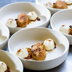 Dessert: Nobake chickpea cookiedough