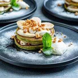 24/7 groenten: Broccoli pancake stack with bananas