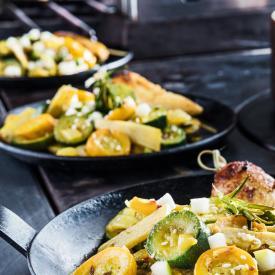 Zucchini-Pfanne mit Ingwer und Kurkuma