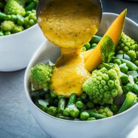 Assiette verte sauce mangue