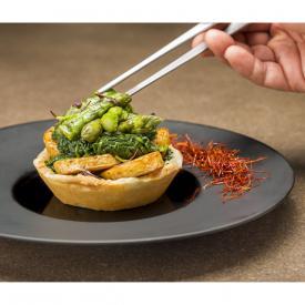 Crostatina salata con spinaci, asparagi, arrosto e patate fumè