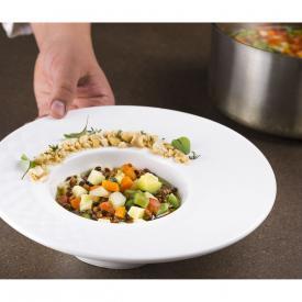 Minestrone e lenticchie con trucioli di taralli