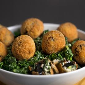 Polpette di cavolo nero riccio Kale e aceto balsamico