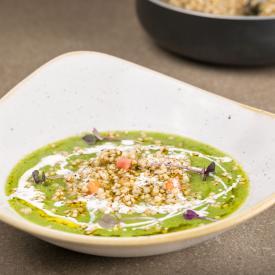 Crema di broccoli, grano spezzato e fonduta al caprino