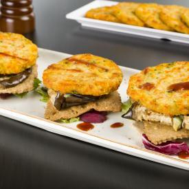 millefoglie di melanzane grigliate con crackers ai semi burger di verdure e patate